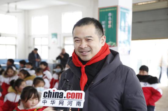 【益路华彩•暖冬行动】河南省服装行业协会童装委员会公益助学 以爱己之心爱人
