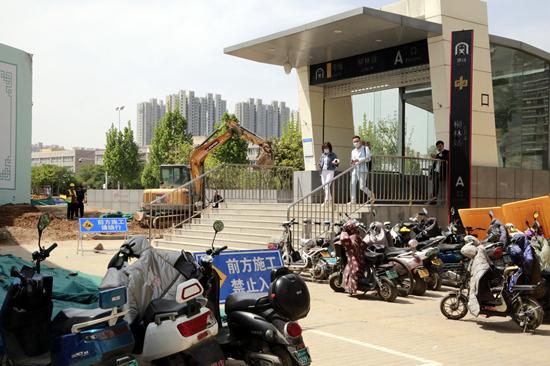 """郑州""""一环十纵十横""""道路综合改造三期工程花园路段工程有序推进"""